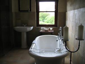 Overberg Suite met Eigen Lounge en Hot Tub