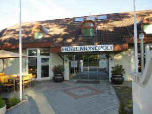 Hotel Monopoly, Hotely  Balatonalmádi - big - 32