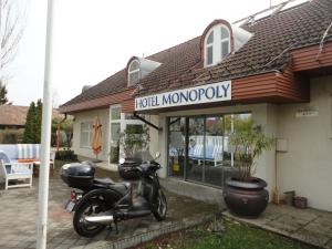 Hotel Monopoly, Hotely  Balatonalmádi - big - 46