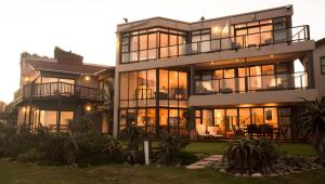 Supertubes Guesthouse, Penziony  Jeffreys Bay - big - 76