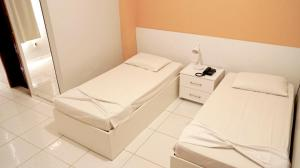 Twin Room (2 Single Beds)