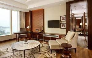 Regency Executive Suite