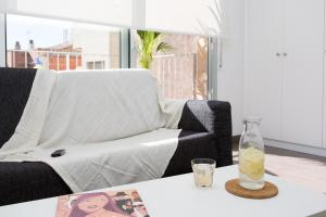 One-Bedroom Apartment with Balcony (1- 2 Adults)