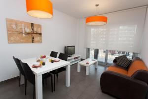 Two-Bedroom Apartment with Balcony City Views (2-4 Adults)