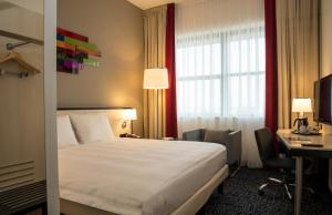 Park Inn by Radisson Amsterdam Airport Schiphol, Hotels  Schiphol - big - 9