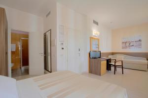 Hotel Michelangelo, Отели  Морской Милан - big - 10