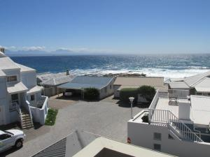 Point Village Accommodation - Laurie's House, Dovolenkové domy  Mossel Bay - big - 10