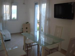 Holiday Home by the Sea, Prázdninové domy  Tivat - big - 40