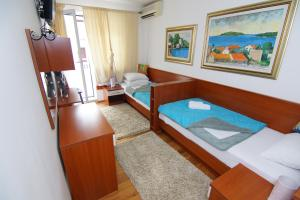 Apartments and Rooms Villa Gaga 2, Bed & Breakfast  Budua - big - 33