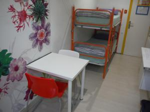 Twin Room with Shared Bathroom (Bunked Beds)
