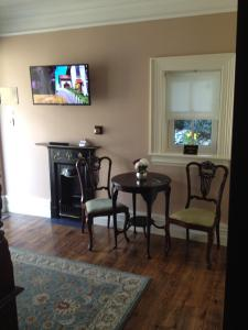 Riverside Lodge B&B, Bed and Breakfasts  Carlingford - big - 37