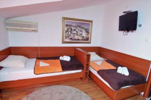 Apartments and Rooms Villa Gaga 2, Bed & Breakfast  Budua - big - 26