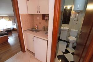 Apartments and Rooms Villa Gaga 2, Bed & Breakfast  Budua - big - 99