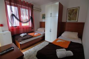 Apartments and Rooms Villa Gaga 2, Bed & Breakfast  Budua - big - 93