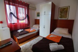 Apartments and Rooms Villa Gaga 2, Bed & Breakfast  Budua - big - 83