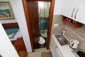 Apartments and Rooms Villa Gaga 2, Bed & Breakfast  Budua - big - 98