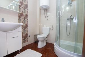 Apartments and Rooms Villa Gaga 2, Bed & Breakfast  Budua - big - 37