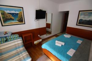 Apartments and Rooms Villa Gaga 2, Bed & Breakfast  Budua - big - 38