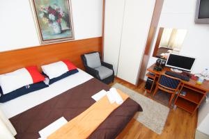 Apartments and Rooms Villa Gaga 2, Bed & Breakfast  Budua - big - 39