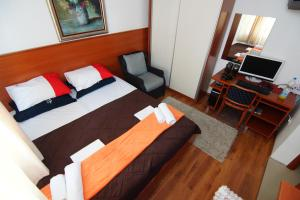 Apartments and Rooms Villa Gaga 2, Bed & Breakfast  Budua - big - 24