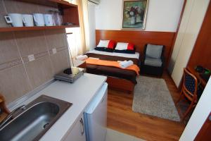 Apartments and Rooms Villa Gaga 2, Bed & Breakfast  Budua - big - 41