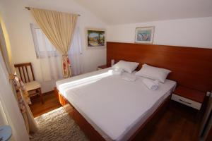 Apartments and Rooms Villa Gaga 2, Bed & Breakfast  Budua - big - 76
