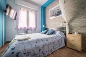 Double Room with Shared Bathroom and Private Shower