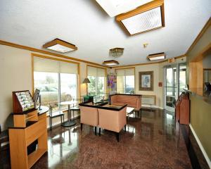 Baymont Inn & Suites Sandusky, Hotels  Sandusky - big - 22