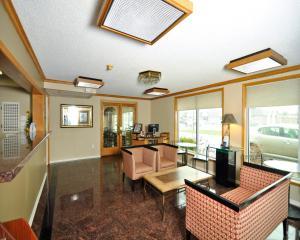 Baymont Inn & Suites Sandusky, Hotels  Sandusky - big - 23