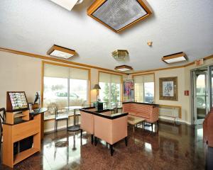 Baymont Inn & Suites Sandusky, Hotels  Sandusky - big - 21