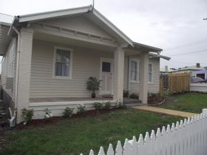 Avenue House