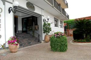 Hotel Ristorante Donato, Hotels  Calvizzano - big - 78