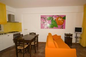 Residence Degli Agrumi, Apartmanok  Taormina - big - 19