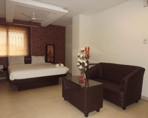 The Richman Hotel, Hotely  Tiruppūr - big - 5