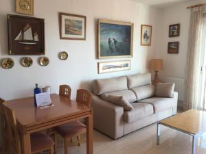Sitges Seafront Apartment, Apartmány  Sitges - big - 13