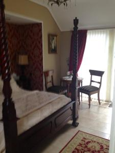 Riverside Lodge B&B, Bed and Breakfasts  Carlingford - big - 21