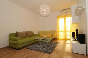 Apartments Katica 3465, Apartmanok  Makarska - big - 2