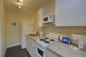 Gulf Holiday by Beachside Management, Apartments  Siesta Key - big - 3