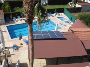 Petsas Apartments, Aparthotels  Coral Bay - big - 5