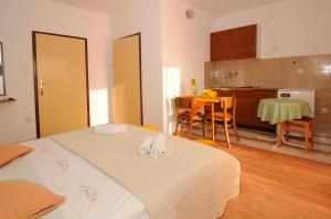 Apartments Katica 3465, Apartmanok  Makarska - big - 12