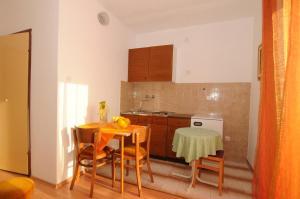 Apartments Katica 3465, Apartmanok  Makarska - big - 11