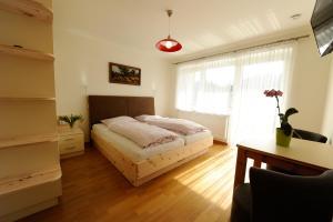 Pension Sonnblick, Guest houses  Sankt Kanzian - big - 11