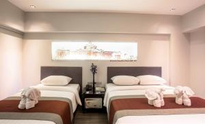 Deluxe Canal Triple Room