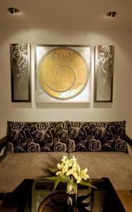 Diplomat Corner Suite