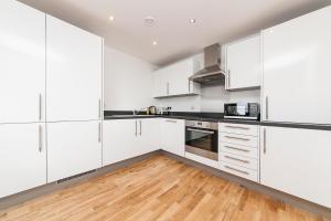Pinnacle Residences - Central Cambridge, Apartmanok  Cambridge - big - 95