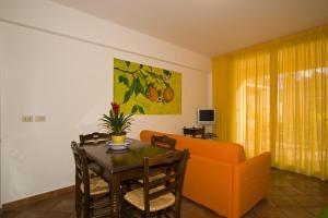 Residence Degli Agrumi, Apartmanok  Taormina - big - 54