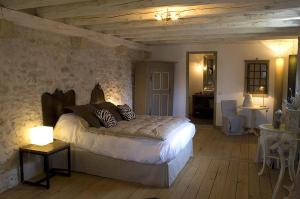 La Cour Pavee, Bed & Breakfast  Genolier - big - 11