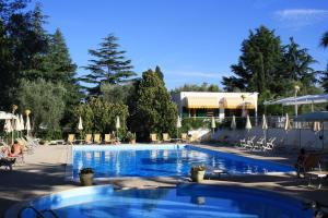 Residence Delfino - AbcAlberghi.com