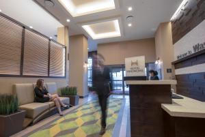Hampton Inn & Suites Washington DC-Navy Yard (4 of 40)
