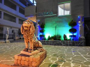 Farkia Exclusive Studios, Apartments  Faliraki - big - 70